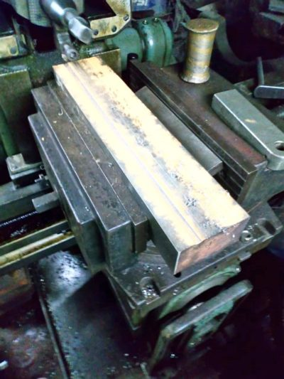 Fabricaion de rieles de maquina selladora de plastico